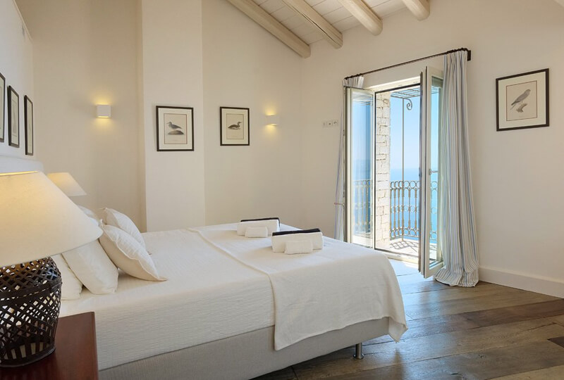 Villa Paleopetres room